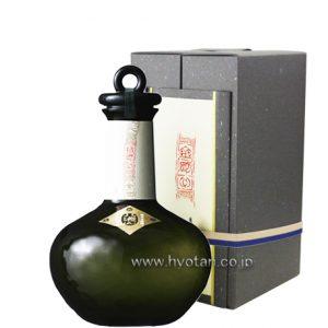 八海山 純米大吟醸 金剛心 (冬季ブラックボトル) 800ml